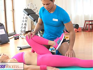 FitnessRooms Gym lecturer pulls down her yoga pants