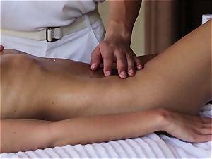 sensational Nina Elle massage and fabulous extras