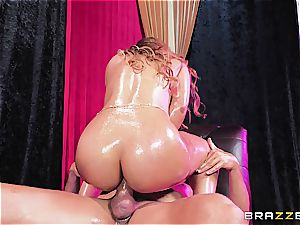 Orgasmic stomach dance makes Mercedes thirsty for pecker