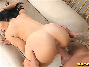 Kimmy Kush munches up lengthy cock outdoors