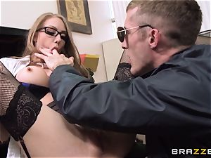 tasty assistant Shawna Lenee puts this cop off his stride