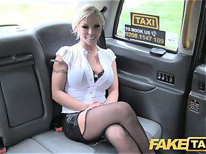fake cab Deep gullet choking cougar gets backseat facial cumshot