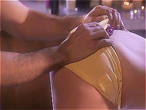 massagist Jayden works finest with her bumpers
