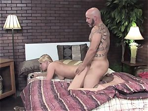 Vanessa gets her wet labia poked on the sofa