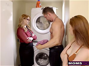 mummy Helps daughter-in-law instruct Step brutha A Lesson S9:E9