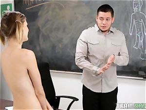 Scarlett heat learns nicer with visuals and ravages her schoolteacher