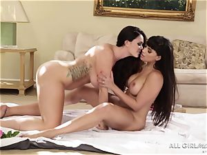 Alison Tyler and Mercedes Carrera enjoys their lezzy lovemaking