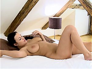 Carmen gets her cock-squeezing slot raw