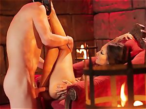 Asa Akira gets her sizzling lips obese a phat long man meat