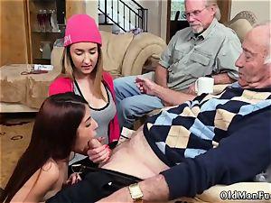 older female hard-core Maximas Errectis