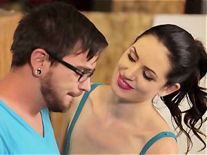 Sarah Shevon experiences her very first dumping