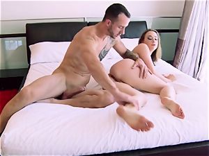 Chanel Preston starts drill session in the douche