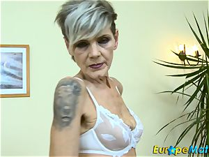 EuropeMaturE fabulous grannie Ivana Solo frigging