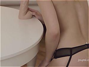 Taylor loves to taste her orgasm