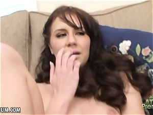 Kelly Klasss shows her ass hole