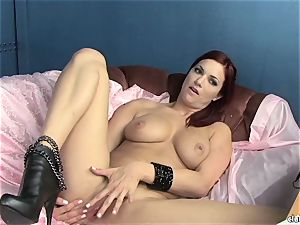 sensuous Jayden Cole luvs teasing her fleshy moist jewel