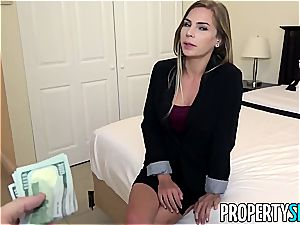 Sydney Cole humps her new sugar father