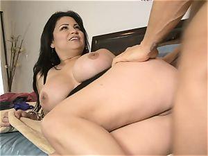 brunette Latina milf Sophia Lomeli