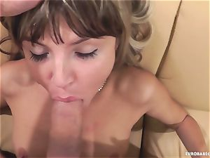 Gina Gerson likes getting her face strewn with jizz