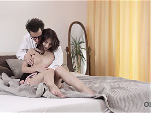 OLD4K. intercourse is how doll salutes elderly hubby after business journey