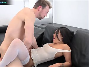 enthralling babe Asa Akira stretching her widely opened slot