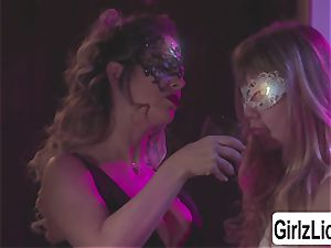 two stellar beotches Cherie DeVille and Ivy Wolfe tasty tonguing cootchies