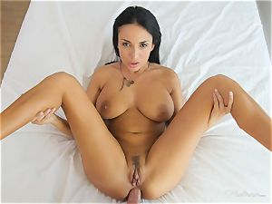 Milfy mummy Anissa Kate screwed deep in her cooter pie