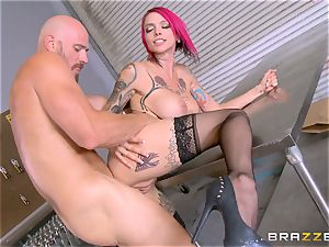 sizzling chief Anna Bell Peaks rails her employees man rod