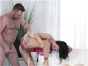 The Job Sn 7 mischievous hookup with Asa Akira and pals